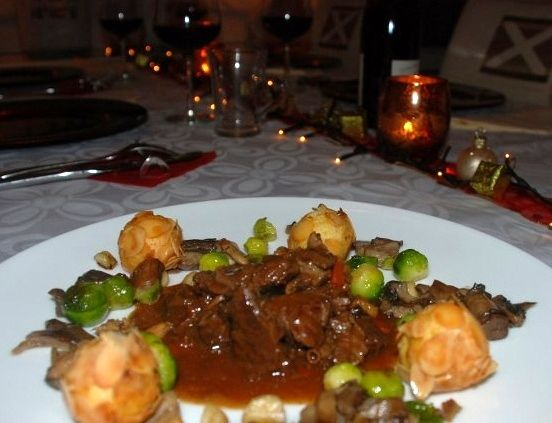 Stoofvlees van hert met rode port en kruidkoek