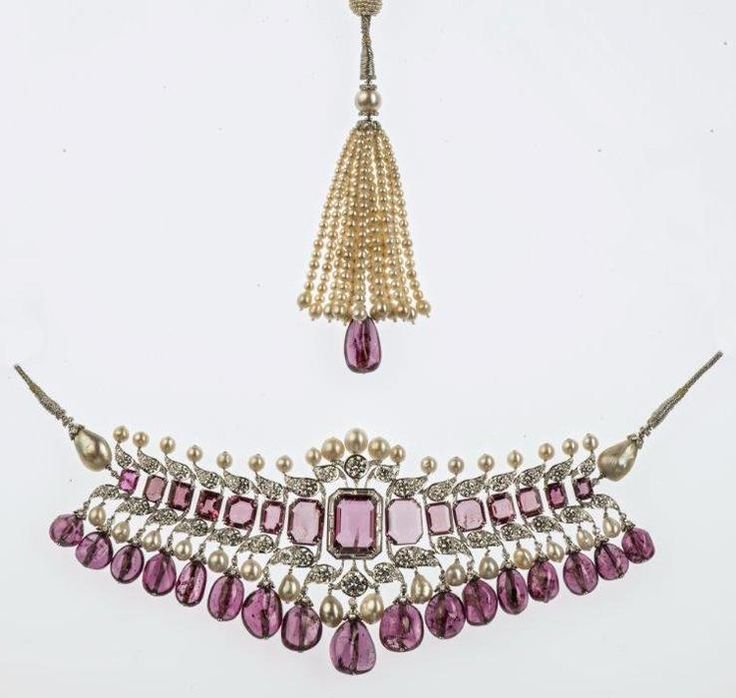 Collar necklace By Viren Bhagat. Bhagat, Mumbai, 2012. Platinum, diamonds, spinels, pearls. Bhagat collection, Mumbai.    Moscow Kremlin Museums: - India. Jewels that Enchanted the World