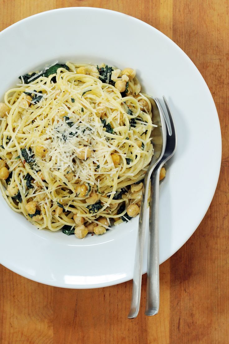 Linguine with Kale and Chickpeas —fast, easy, and light