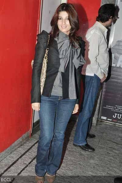 Twinkle Khanna (Outfit love!)