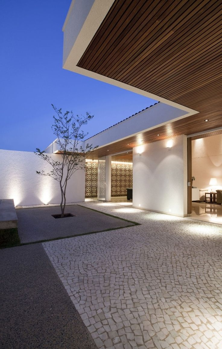 up lighters and wall spot lights | garden lighting || Gedda House by Mustafá Bucar Arquitetura