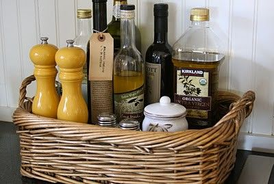 Cooking items in a basketIdeas, Kitchens Organic, Peppers Shakers, Housewarming Gift, Pantries, Kitchen Counters, Kitchens Counter, Baskets, Oil