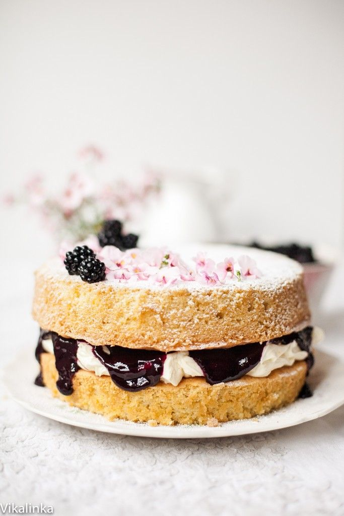 Classic Victoria Sponge Cake with Blackberry Compote