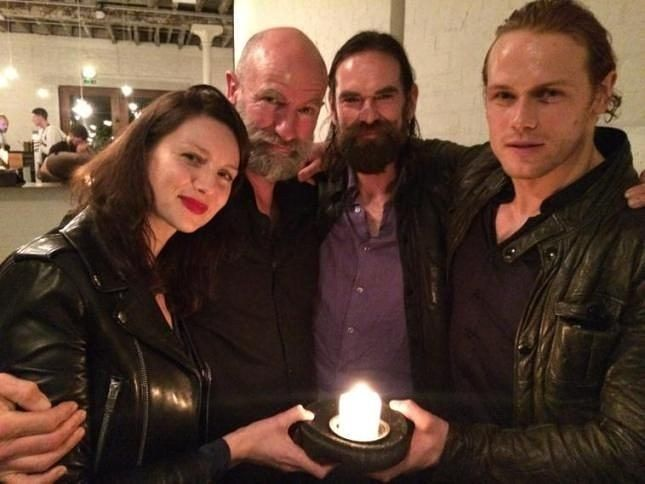 "Gefällt 863 Mal, 18 Kommentare - Jamie Fraser ❤ ☆ Outlander ☆ (@jamiefraserforever) auf Instagram: ""All those loves and a candle ❤ ♡ ♡ ♡ ♡ ♡ #outlander #outlanderstarz #SamHeughan #CaitrionaBalfe…"""