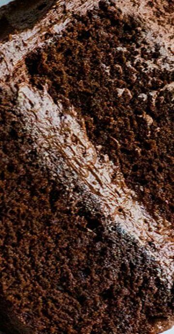 Perfect Chocolate Cake with Ganache Buttercream