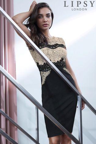 Priliehavé čipkované šaty Lipsy