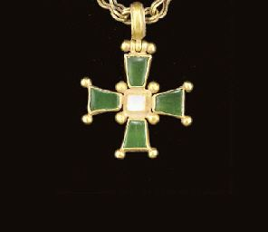 A BYZANTINE GOLD AND EMERALD PENDANT CROSS AND CHAIN   CIRCA 5TH-7TH CENTURY A.D. CHRISTIE'S