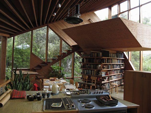Asymmetrical-Walstrom-House-by-John-Lautner-1
