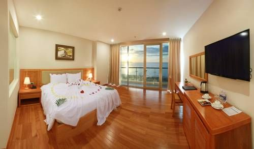 Sekong Hotel Da Nang Da Nang Situated in Da Nang, 2 km from Song Han Bridge, Sekong Hotel Da Nang boasts a restaurant and free WiFi. Guests can enjoy the on-site bar. Free private parking is available on site.