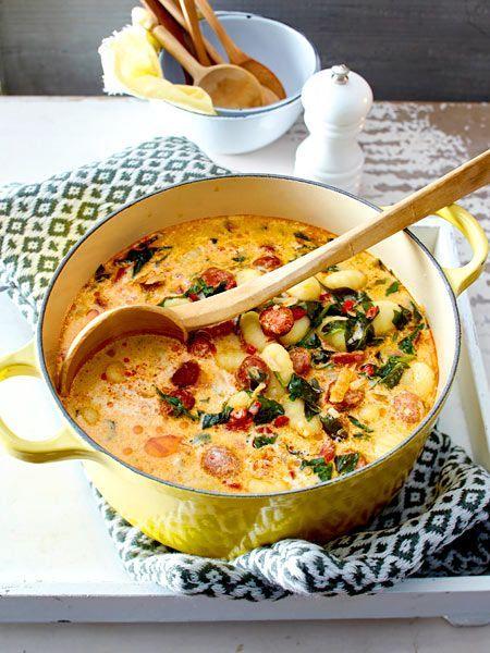 Eintopf mit Gnocchi, Spinat, Röstpaprika und spanischer Merguez - einfach gemacht und soooo lecker!