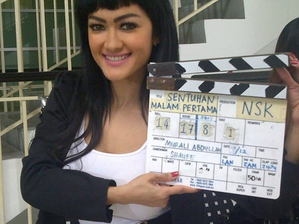 @juliaperrez: Hope u like it malaysia..must nonton yaa film nya di bioskop