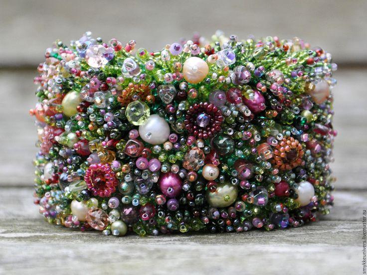 Купить Браслет Лесная поляна - бисер, авторская бижутерия, жемчуг, жемчуг натуральный, ярко-зеленый