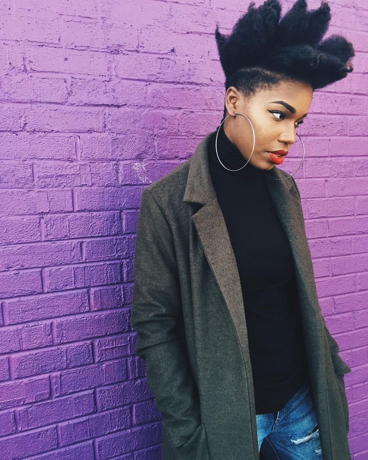 @kentekinks    Shaved sides. Undercut. Edgy hairstyles for women. Women's hair. Short hairstyles. Photo x Beat : @blvkdaisy #TheCutLife