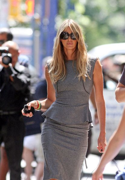 Chic Professional Woman Work Outfit. Fierce. Confident. Elegant. Working Forward. Elle Macpherson.