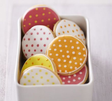 Edd Kimber talks through how to master piping and flood icing to create these cute cookies with a distinct decoration