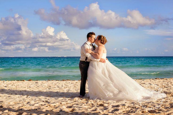 A year in review ~ Scarlet Lens Photography www.scarletlensphotography.com #mexicowedding #beach #destinationphotographer #wedding #couple
