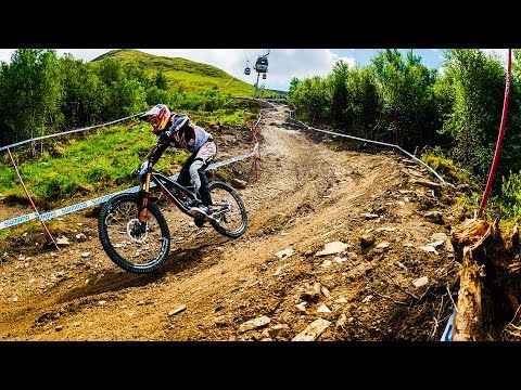 VIDEO:: Let´s Go Over The Bars: Fast Life Con Loic Bruni | RAW