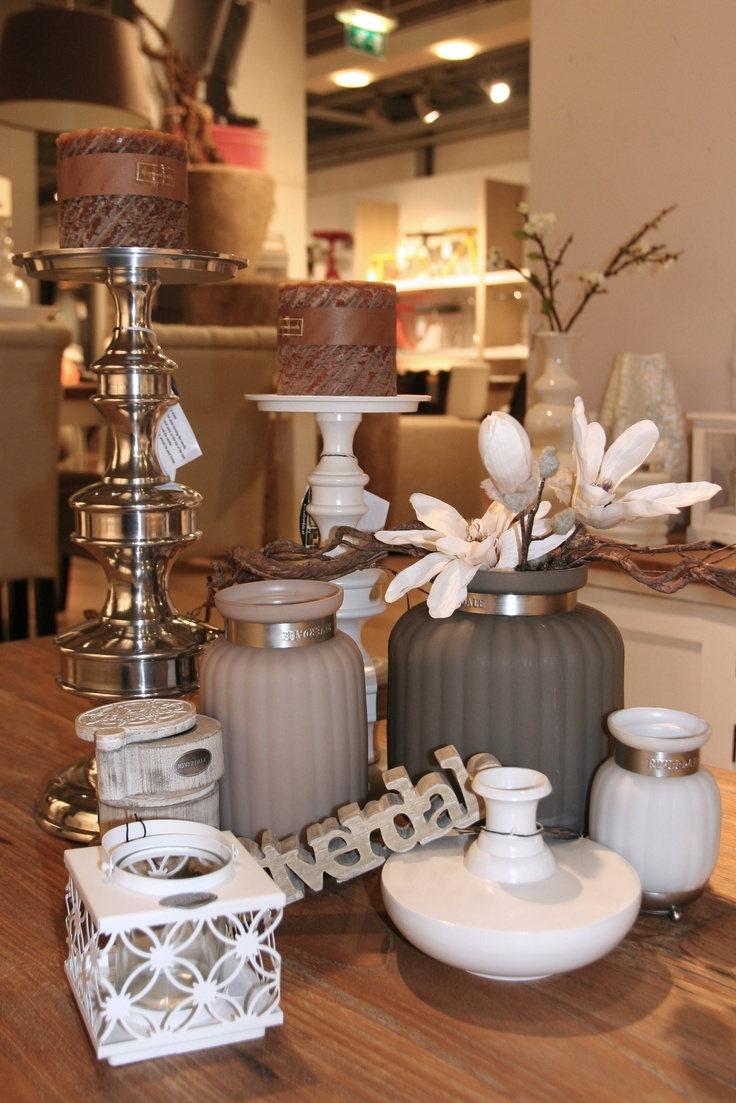 De nieuwe herfst winter collectie woonaccessoires van Riverdale zijn nu ter decoratie van je interieur/meubels verkrijgbaar bij Home Center in Wolvega (Friesland) in de Riverdale shop.