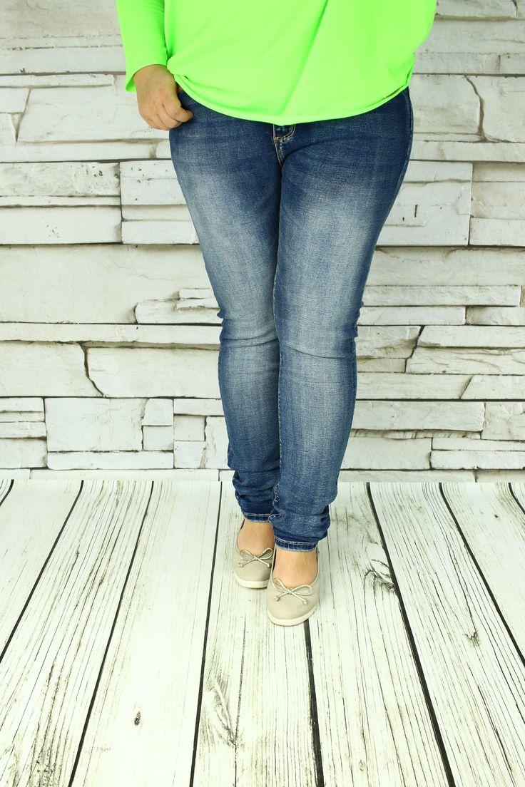 Jeansy klasyczne Denim przecierane
