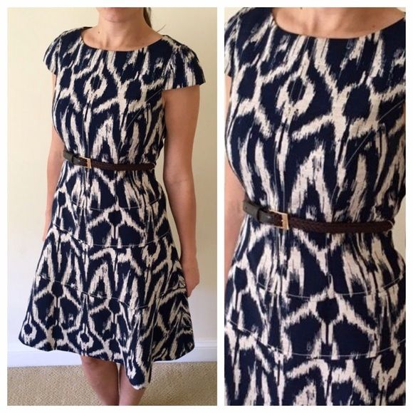 $38 - Ikat Navy and Cream Fit & Flare belted dress Short sleeves - Size 4 - waist belt - zipper in back Anne Klein Dresses