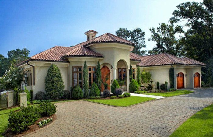 16 Inspiring Curb Appeal Transformations Spanish Style Homes Curb Appeal Spanish Style