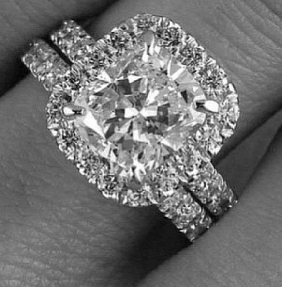 How to plan a #Wedding #Ceremony ♡ SQUARE ENGAGEMENT / WEDDING RING ♡ https://itunes.apple.com/us/app/the-gold-wedding-planner/id498112599?ls=1=8  ♡ Weddings by Colour ♡ http://www.pinterest.com/groomsandbrides/