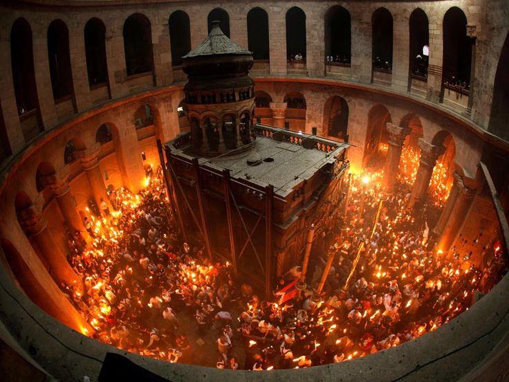 Δεν έχουν ιερό και όσιο-Βουλευτής ΣΥΡΙΖΑ, Φ.Βάκη: «Ψευδοθαύμα το Άγιο Φως»- Αρχιεπισκοπή: «Οι μέρες τους είναι μετρημένες. Δύο και σήμερα» (βίντεο) Οι Αστυνομικοί θα καλύψουν τα έξοδα της μεταφοράς του Αγίου Φωτός