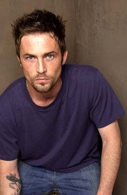 desmond harrington ... Detective Quinn from Dexter...mmmmmmm