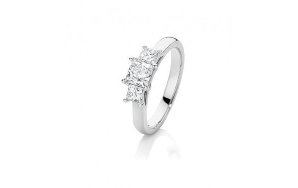 1.05ct of diamond in 18ct white gold