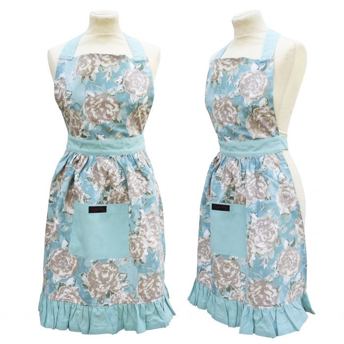 These frilly cotton floral aprons for women are just adorable! 50's glamour meets Betty's Tea Shop with maybe a little 'Stepford Wife' thrown in...but still so practical. #floral #vintage #cotton #aprons