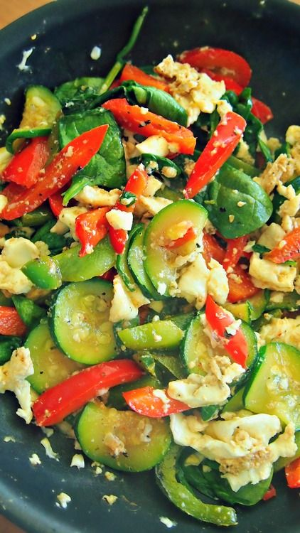 Egg White Scramble W/ Zucchini, Bell Pepper, & Spinach!