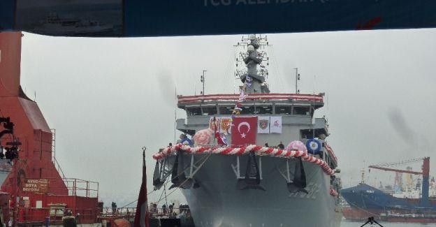 """Denizaltı Kurtarma Gemisi """"TCG Alemdar"""" Deniz Kuvvetlerine teslim edildi"""