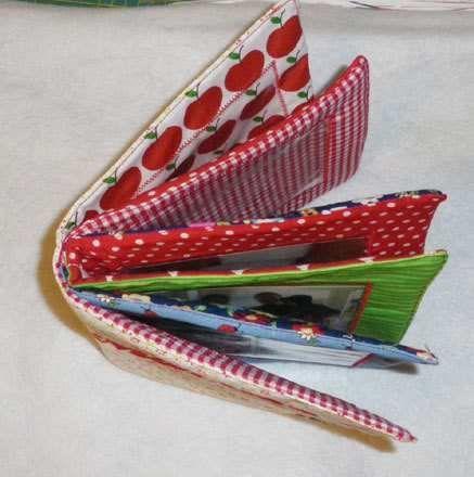 Ein Geschenk zum Jahresende! | Feines Stöffchen: Nähen für Kinder, kostenlose Schnittmuster, Stickdateien, Stoffe und mehr.