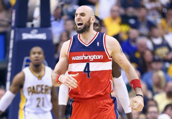 #BREAKING: Yahoo Source: Free agent center Marcin Gortat agrees to a $60 million deal to stay with the Washington #Wizards --> http://yhoo.it/1vtQkut #Basketball #Sports