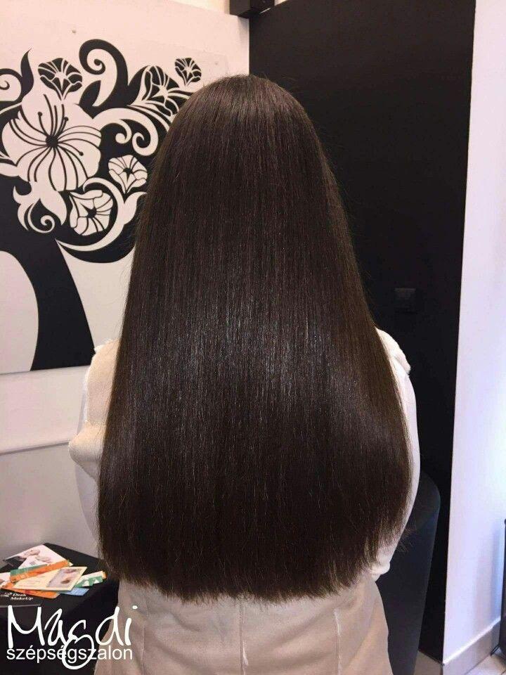 Gyönyörű haj, csodás csillogás, de törődni kell a hajjal, hogy ilyen szép legyen. A meleg ollós hajvágás is egy ilyen lehetőség, ismered? www.magdiszepsegszalon.hu/melegollo #melegolló #szépségszalon #fodrász #széphaj
