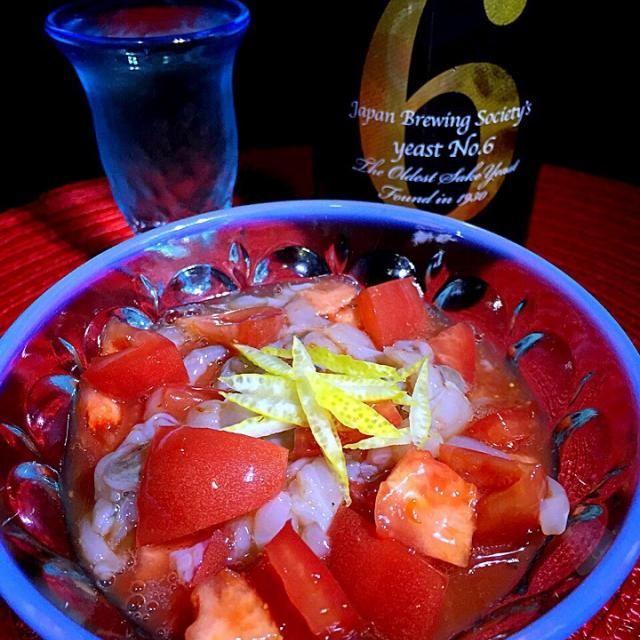 トマトと塩辛を和える簡単アテ  BS-TBS吉田類の酒場放浪記で出てた武蔵境の酒場たけちゃんのメニューをイカからタコの塩辛にアレンジしたものです。  待ちに待った禁酒明けの一発めの酒は青森の銘酒蔵、新政のNo.6 S-type(純米大吟醸)  今日は呑むぞー!カンパーイ - 74件のもぐもぐ - トマトの蛸の塩辛和えと新政No.6 S-type by kedent17