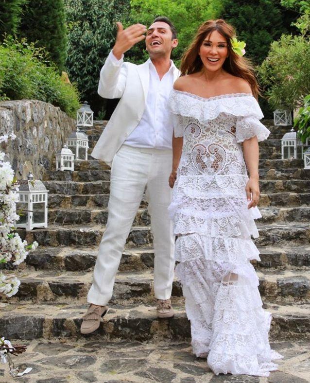 Ghazaleh Rahimi Adli Kullanicinin Moda Panosundaki Pin Dantel Gelinlik Gelinlik Resmi Elbise