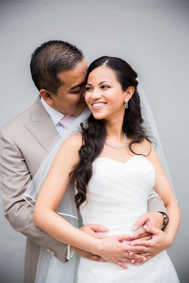 Mooie lagen in de top van de jurk #bruiloft #trouwen #inspiratie #trouwjurk #bruidsjurk #bruidsjapon #strapless #zonder #bandjes #wedding #dress #gown #weddingdress Strapless trouwjurken: stylish en trendy | ThePerfectWedding.nl | Fotocredit: Anouschka Rokebrand Photography