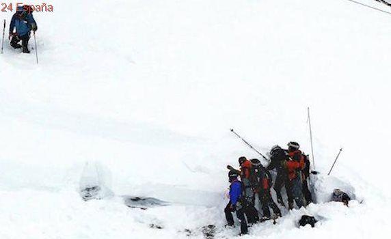 Un grupo de esquiadores, atrapados tras una avalancha en los Alpes franceses