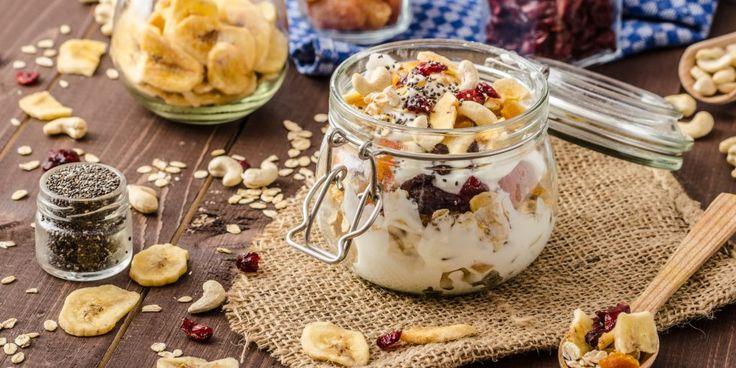 ВИДЕО: Вкусные и полезные десерты из 3 ингредиентов - Лайфхакер