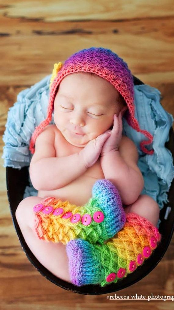 Crocodile Stitch Booties - Crochet Baby Booties - Newborn Photo Prop - Rainbow Baby Outfit