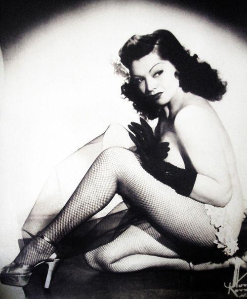 Burlesque dancer, Zorita