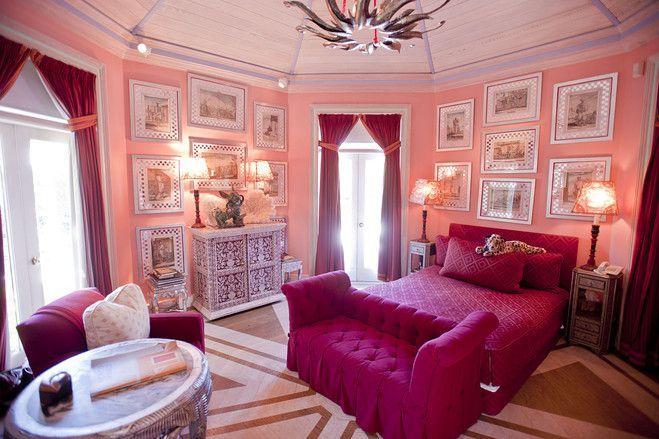 octagonal pink bedroom by Thomas Britt design