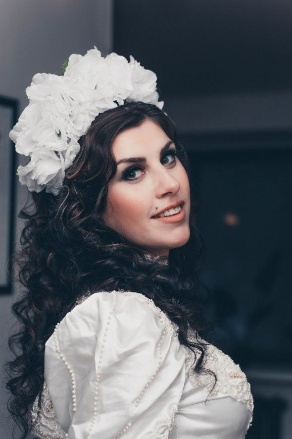 """Ободочек """"Невеста"""" идеально дополнит и завершит образ как для фотосессии, так и для торжественного вечера Материалы: Непромокаемая ткань, кружево, ободок http://www.evna.by/obodochek-nevesta-12720"""