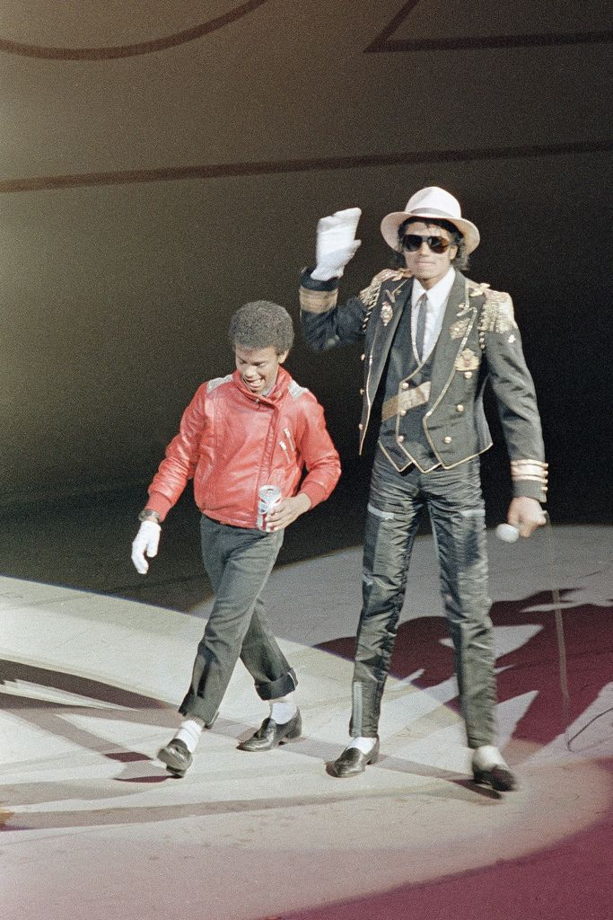 Michael Jackson with Alfonso Ribeiro - 1984 - Pepsi Bottlers Convention  | Curiosities and Facts about Michael Jackson ღ by ⊰@carlamartinsmj⊱