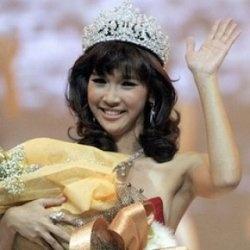 Kamidia Radisti, Sport7 Presenter, movies actress at The Shaman (2008) & Hantu Biang Kerok (2009) and The Tarix Jabrix 3 (2011).    Born, at Februari...