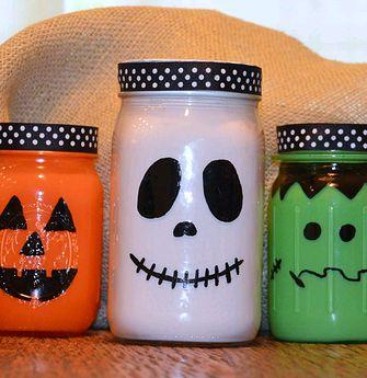 Easy Halloween mason jars