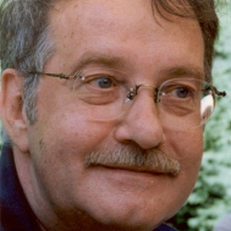 Gilles-Claude Thériault est un passeur, un donneur de voix. Il est natif du comté de Madawaska, dans le Nord-Ouest du Nouveau-Brunswick. Il fut l'élève de Claude Régy.