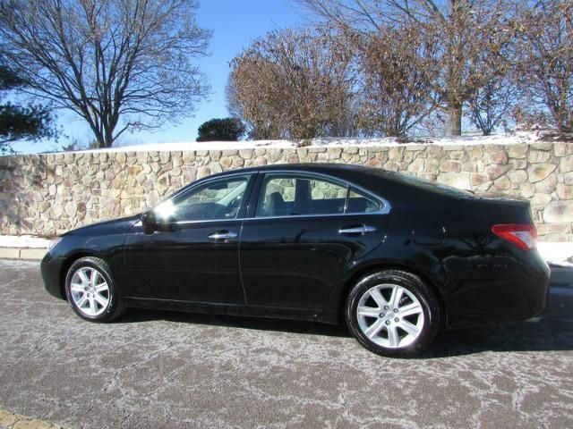 Select Auto Group Used Cars / Trucks / Dealers 2009 Lexus ES 350. Black Sapphire exterior over Black interior. Automatic. 2WD. 6 Cylinders. Gasoline. Family Owned and Operated Dealership. Car. Auto. Pre-Owned Luxury Car For Sale. BlueTooth. Trip Computer. Premium Sound. Heated Seats. Heated & Cooled Seats. Dual Power Seats. Leather Upholstery. Cruise Control. Moonroof.