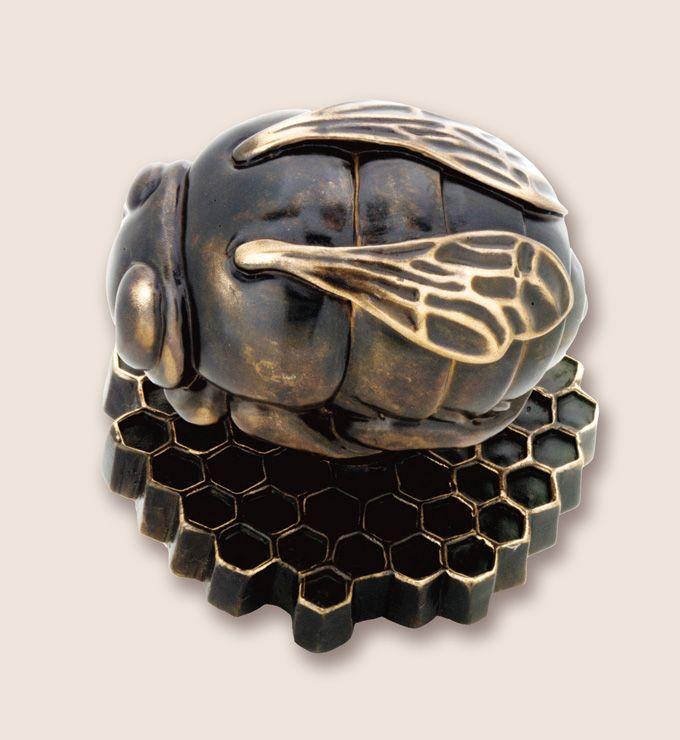 Bronze bee door knob by Martin PIerce Hardware Los Angeles CA 90016 Photo Doug Hill